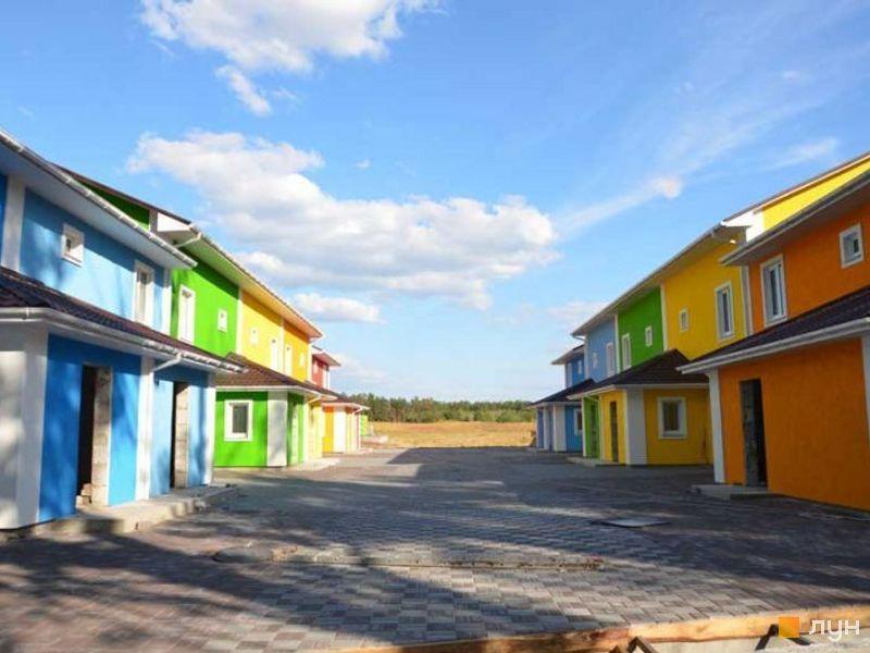"""Таунхауси """"Ivankiv-townhouse"""""""