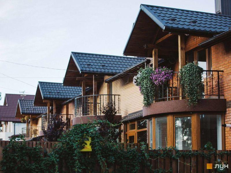 КМ Sun House