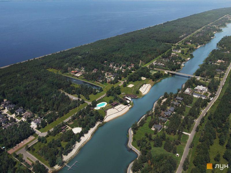 КМ Riviera Village