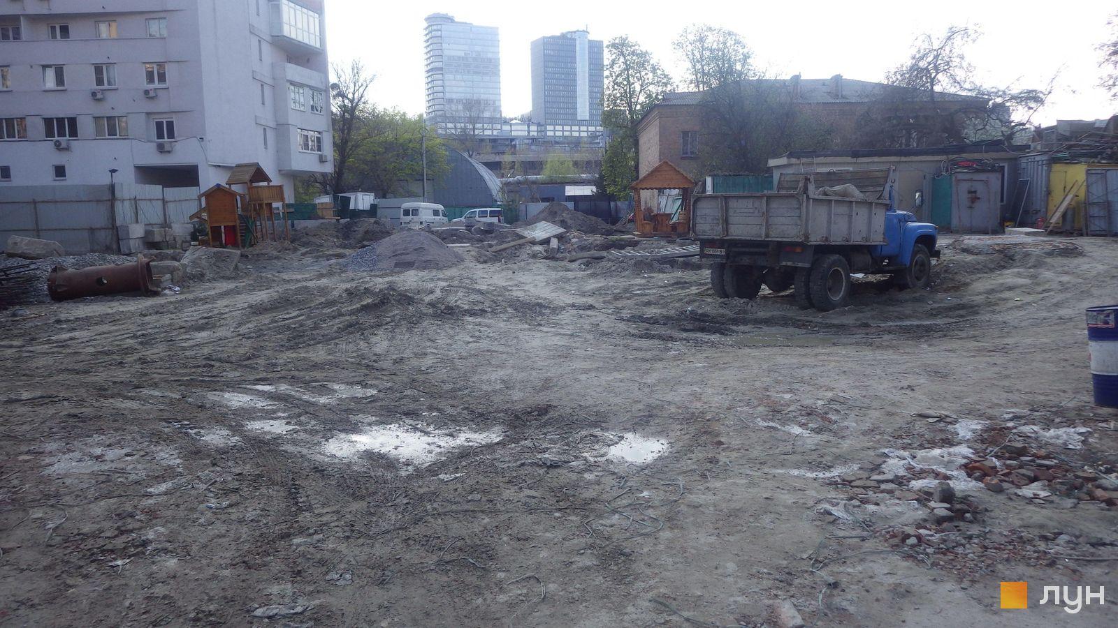 Ход строительства ул. Казимира Малевича, 44, 46, , апрель 2019