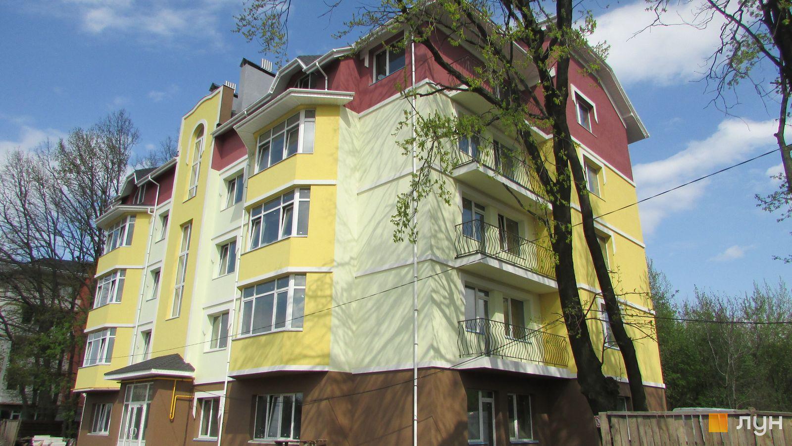Ход строительства ЖК Ваша квартира, ул. Абрикосовая, 6, апрель 2016
