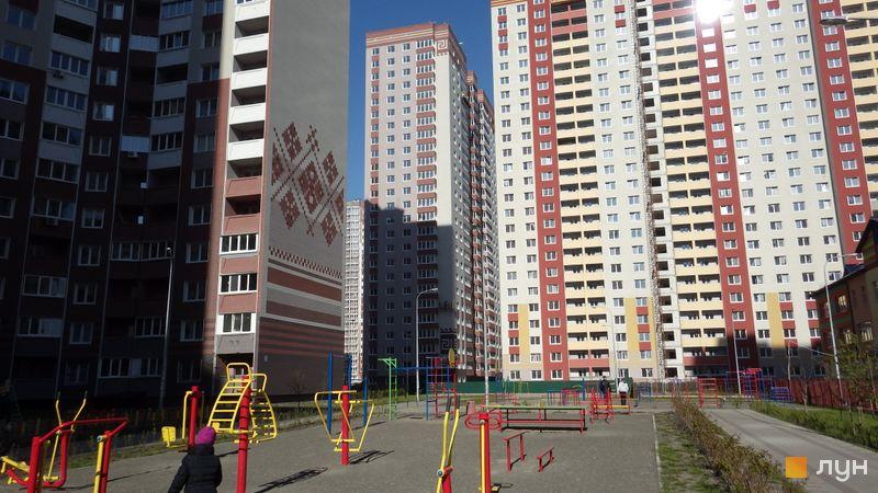 Хід будівництва ЖМ Патріотика, ЖБ Ольвія (№18), квітень 2017