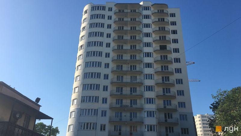 Ход строительства ЖК Вернисаж, 4 дом (секции 1, 2), май 2017