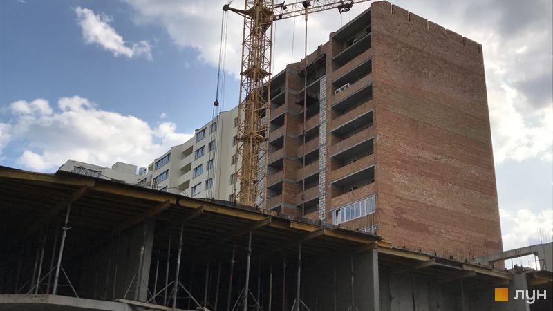 Ход строительства ЖК Вернисаж, 4 дом (секции 1, 2, 3), август 2017