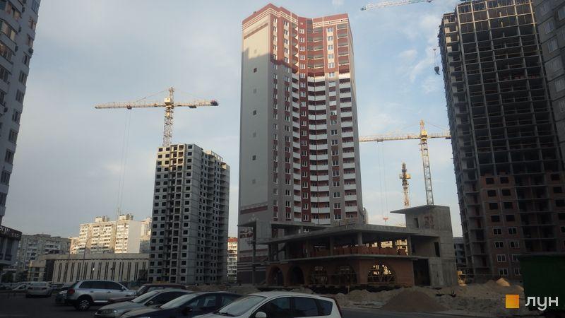 Хід будівництва ЖМ Патріотика, ЖБ Диканька (№7), вересень 2015