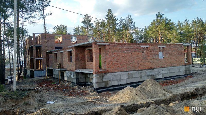 Хід будівництва ЖК DESNA residence, Давос №13, Тироль №16, квітень 2019