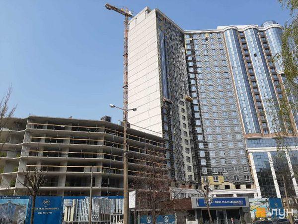 Хід будівництва ЖК Podil Plaza & Residence, 1 будинок (секції 1, 2), квітень 2020