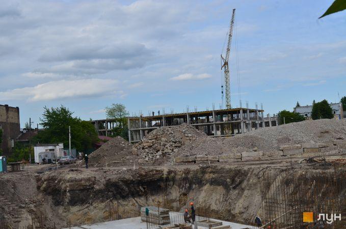 Ход строительства ЖК Містечко Підзамче, ЖК Новый Форт (секции А1-А2), июнь 2020