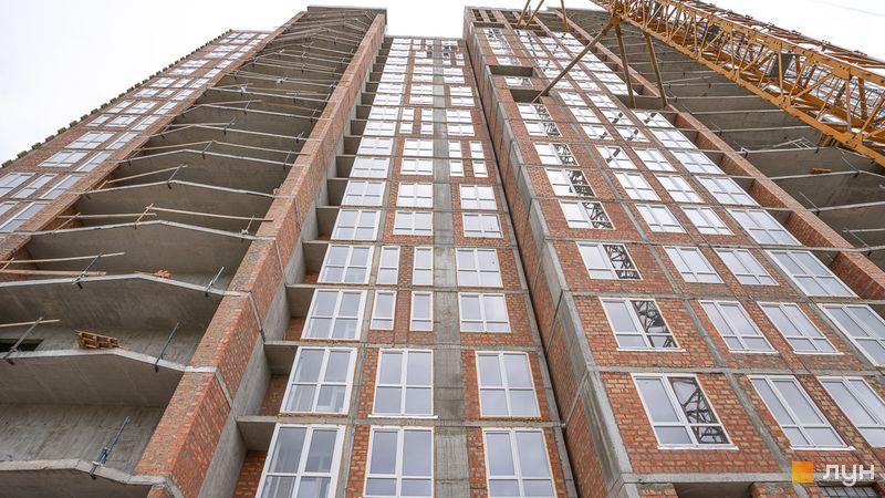 Ход строительства ЖК Причал 8, 1 дом (секции 1, 2), май 2020