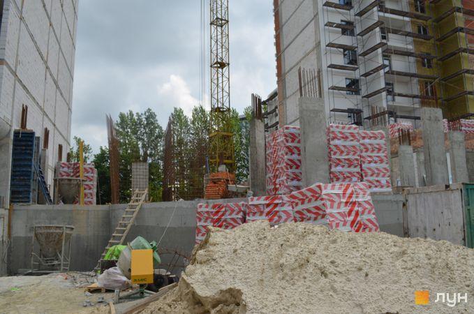 Ход строительства ЖК Resident Hall, 2 секция, июнь 2020