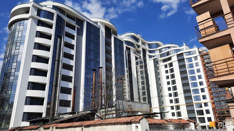 Ход строительства ЖК Parus, 1 дом (секции 1-4), апрель 2021