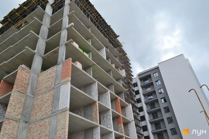 Ход строительства ЖК Resident Hall, 2-4 секции, май 2021