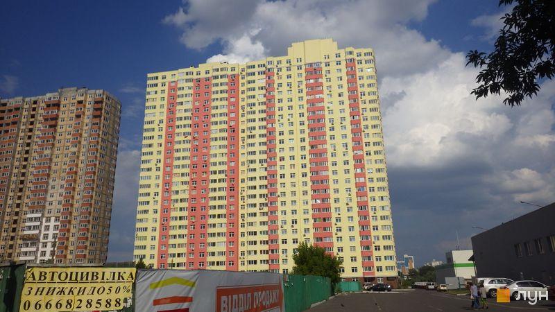 Хід будівництва ЖК Яскравий, 1 будинок (вул. Дегтяренка, 33), липень 2014